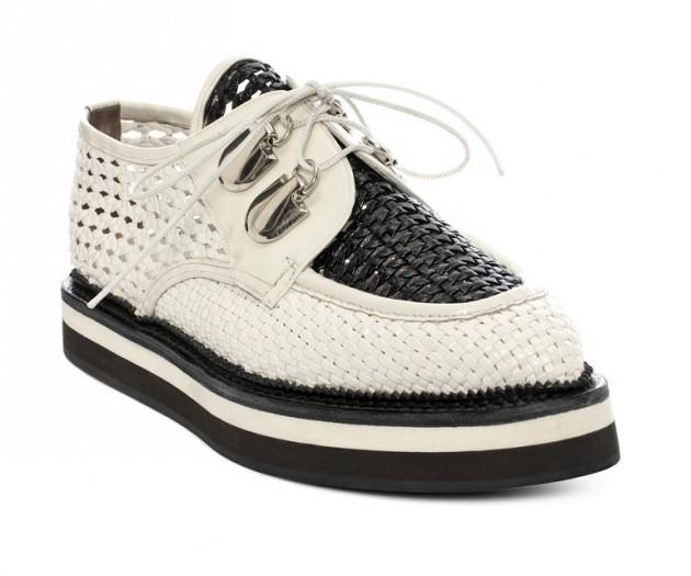 WIT35-Zapatos-calados-de-A-McQueen